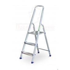 Лестница - стремянка алюминиевая 3 ступени  Алюмет в наличии в Ижевске от компании Строительное оборудование Ижевск.